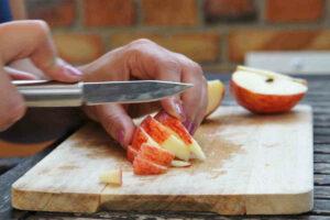 donna taglia mela