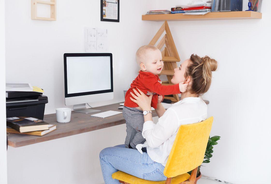 Vita da mamma: trucchi utili per organizzare la giornata al meglio