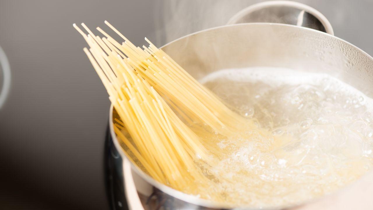 non buttare acqua cottura pasta