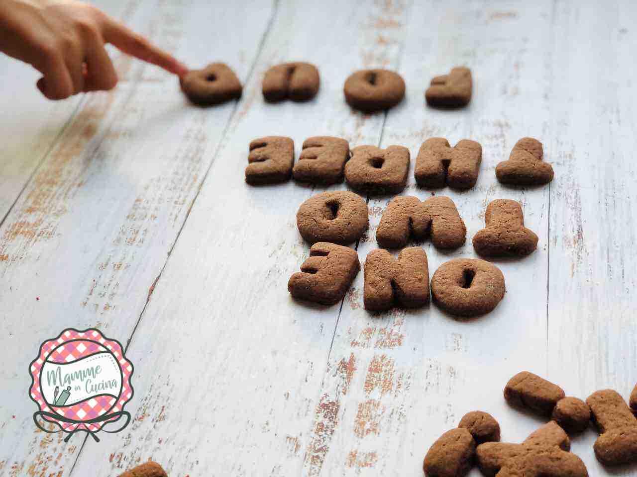 biscotti lettere