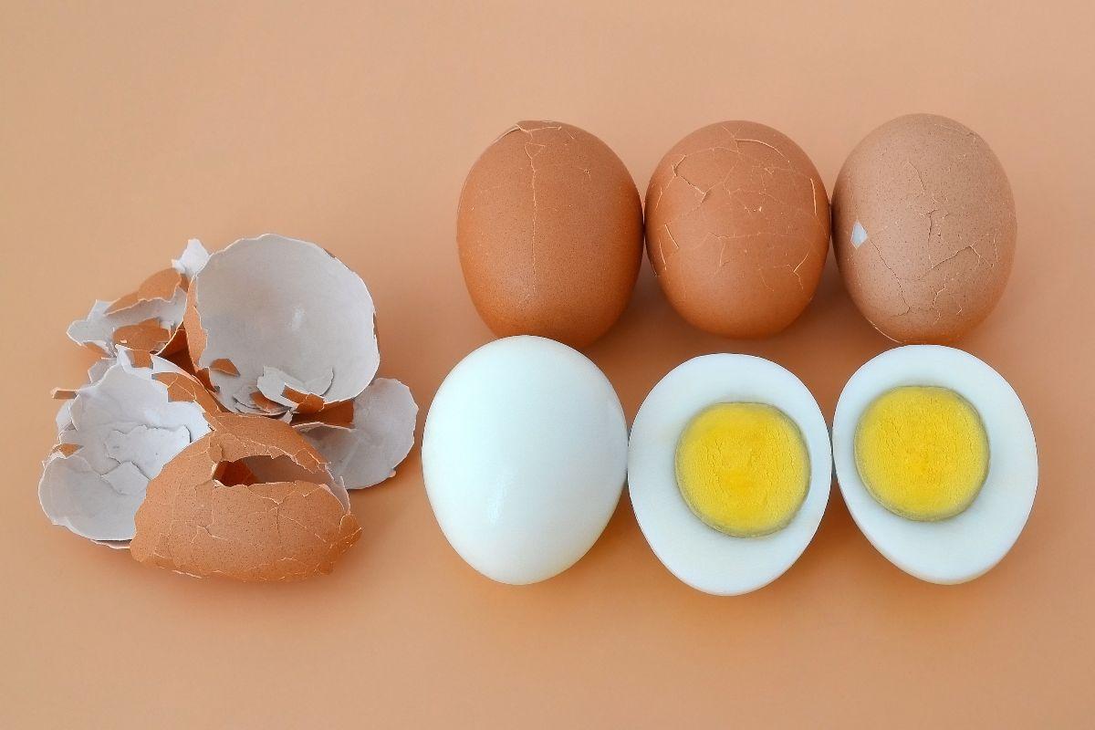 Ecco come sgusciare l'uovo sodo con questo facile trucco!