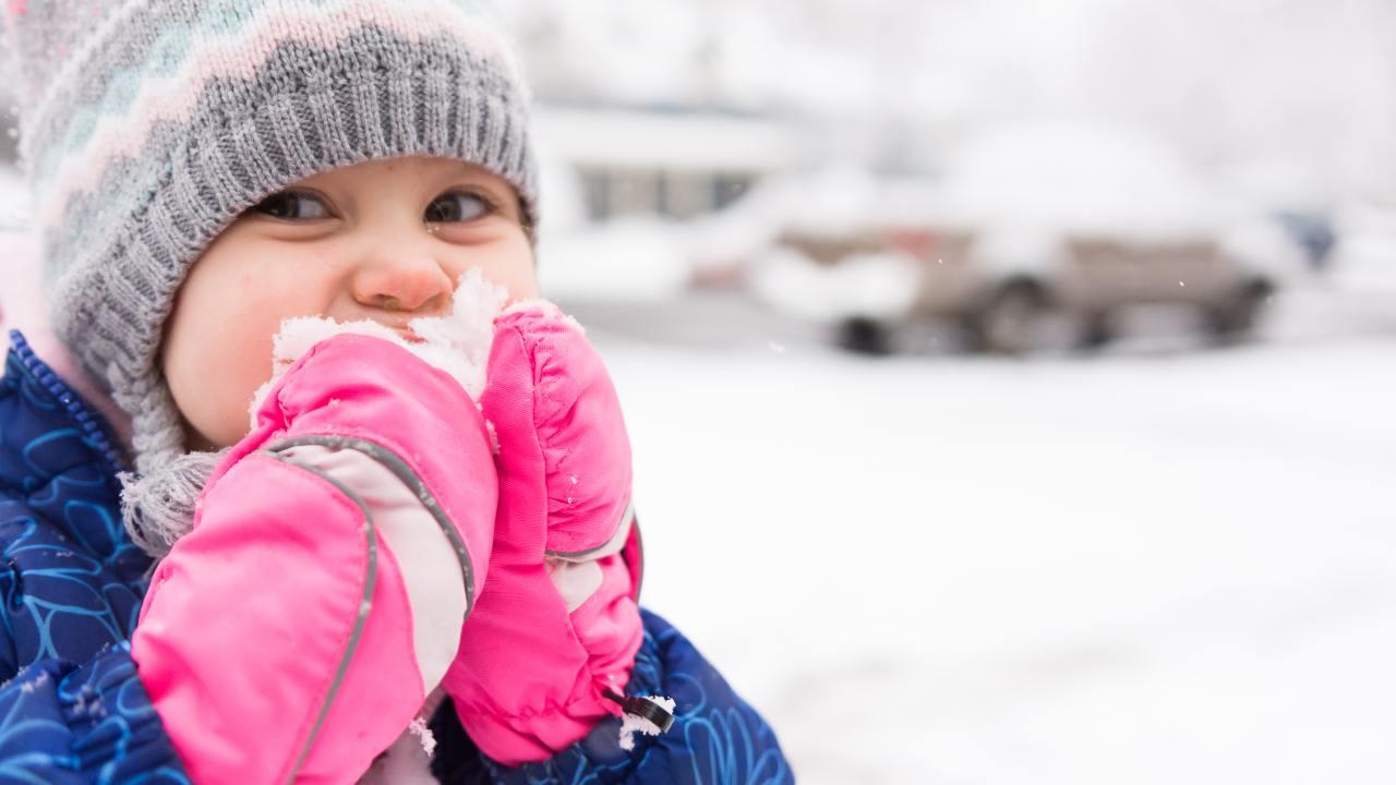 bambini mangiare neve pericoloso