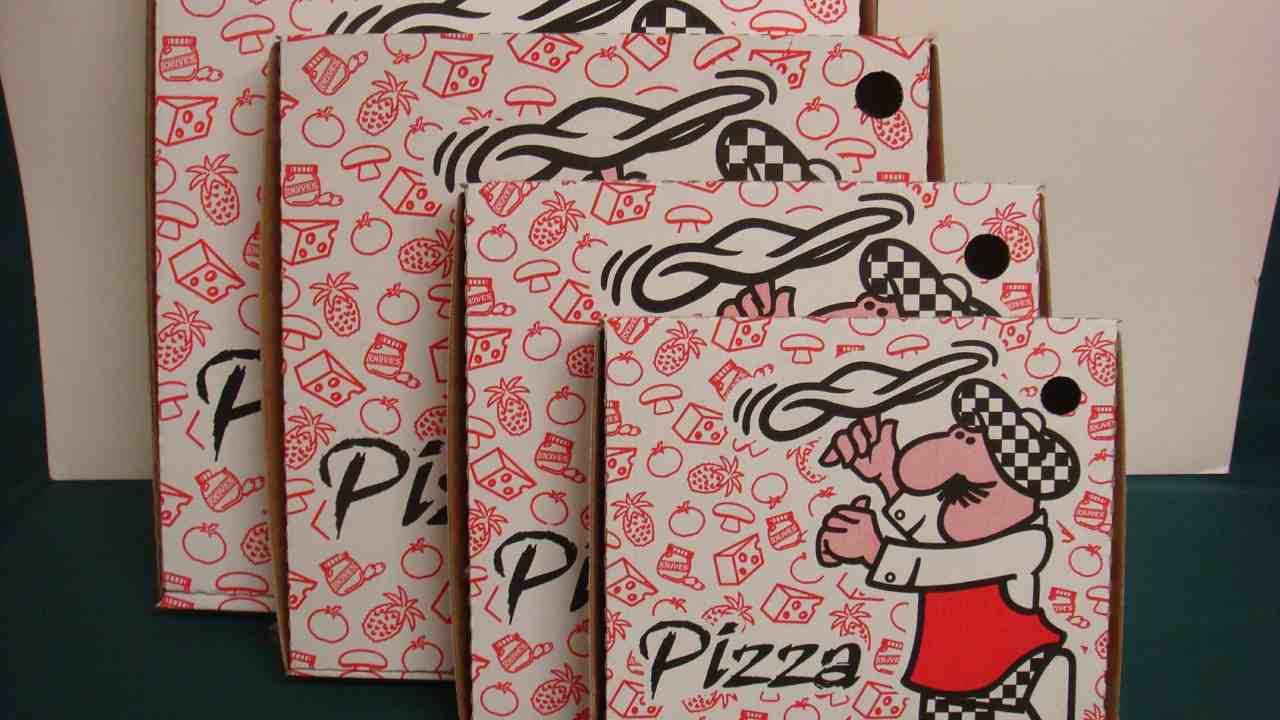 dove va gettato il cartone della pizza