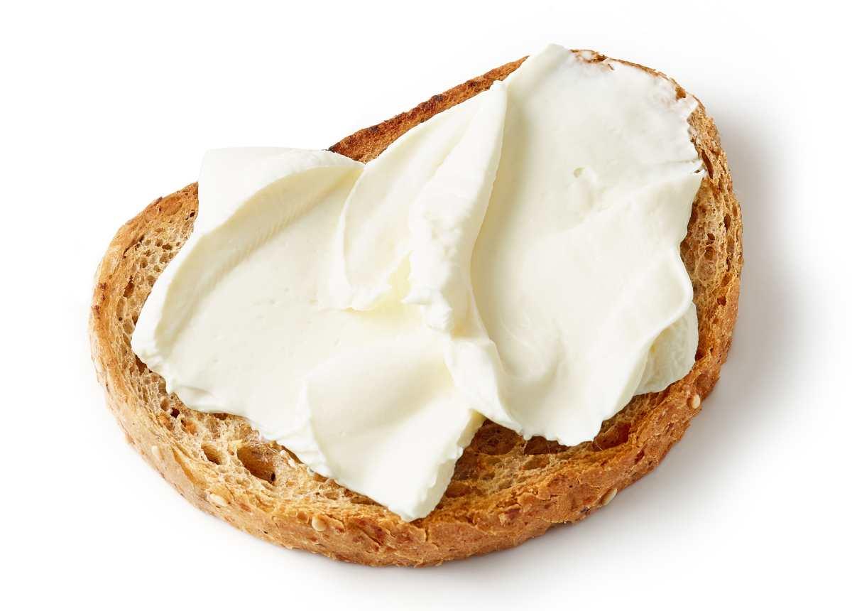 pane con crema spalmabile