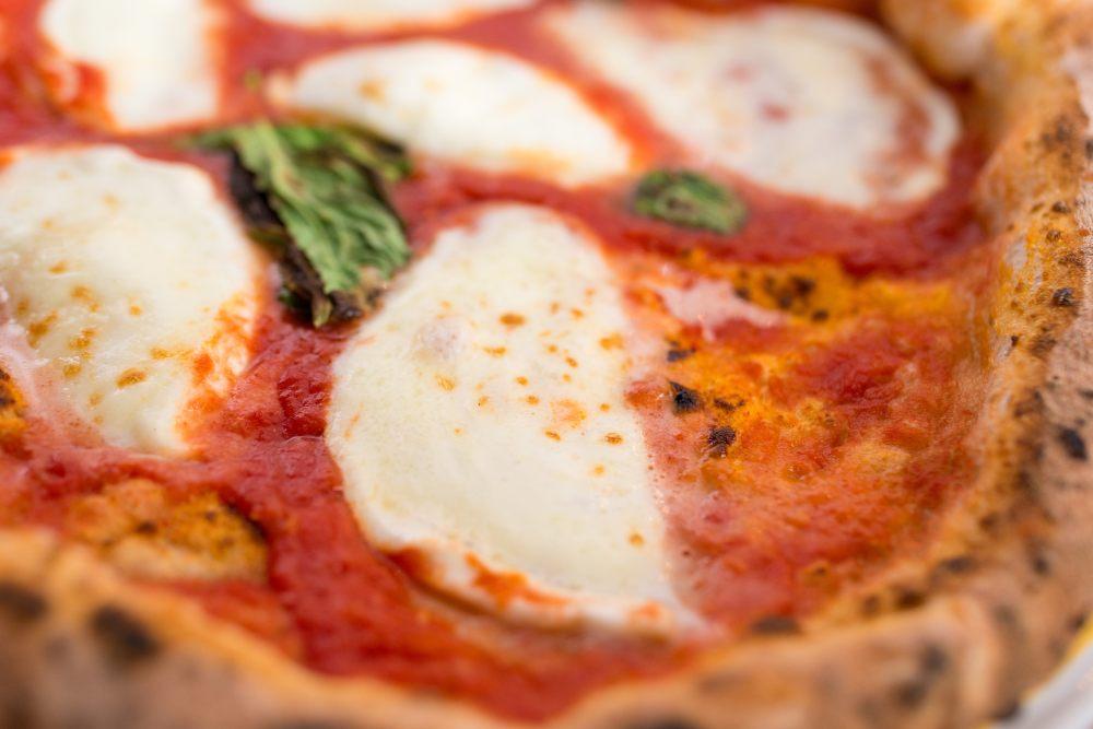 la vera ricetta della pizza napoletana