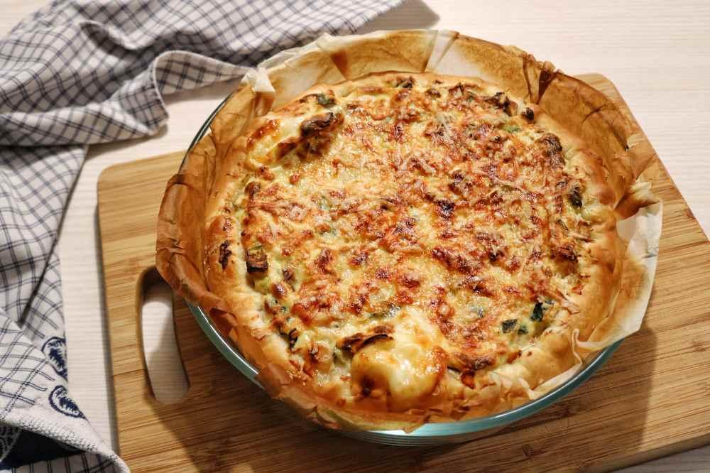 Torta salata alle verdure con cornicione filante
