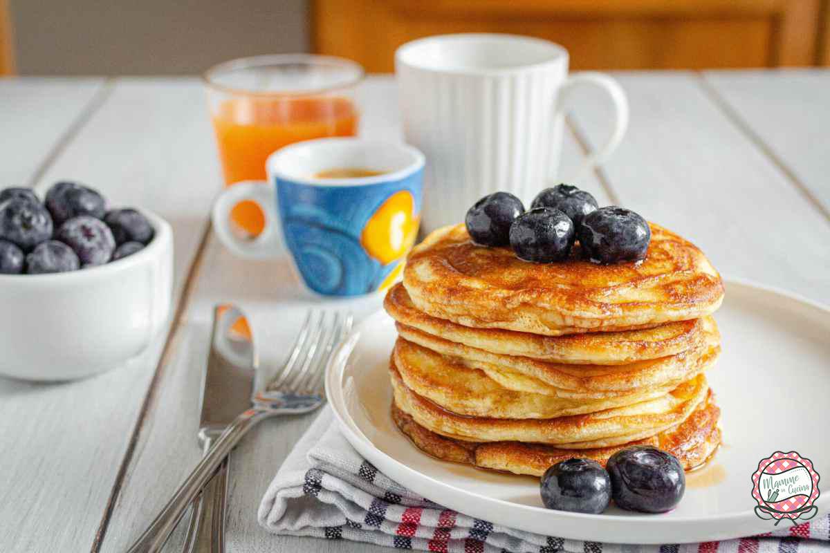 Foto pancakes con mirtilli