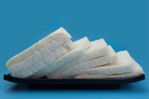 fette di pane bianco al latte