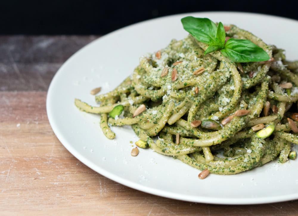 ricetta spaghettoni con crema di pistacchio