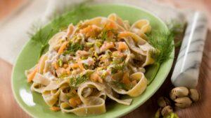 pasta salmone pistacchi