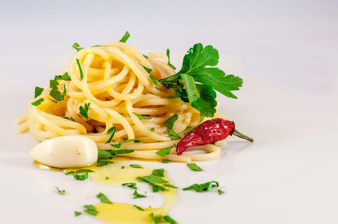pasta aglio e olio e peperoncino