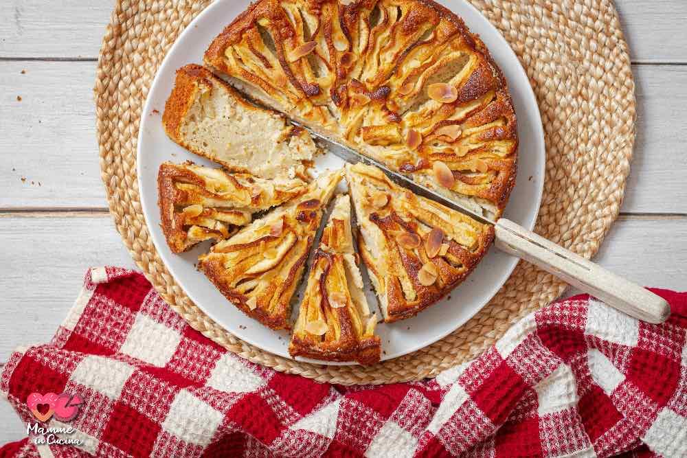 Torta di mele e ricotta, morbida e senza glutine