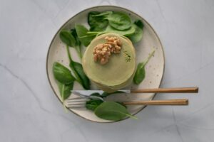 Pancake salati di spinaci e noci, facili e gustosi