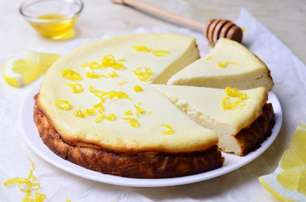 Torta cremosa di ricotta e limone