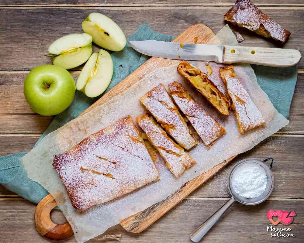 Strudel di mele speciale, leggero, croccante, con un ingrediente speciale!