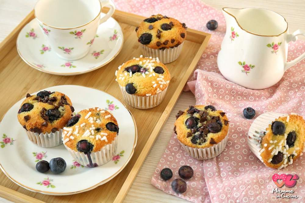 Muffin cocco e mirtilli, la morbidezza in un solo morso!