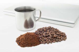 sciogliere il caffè solubile