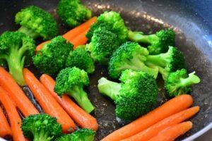 carote e broccolo in padella