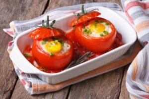 pomodori crudi ripieni formaggio e uva
