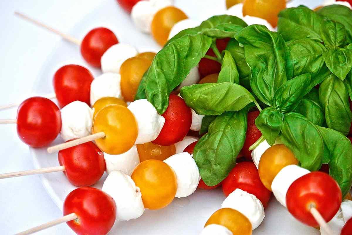 spiedini mozzarelline e pomodorini