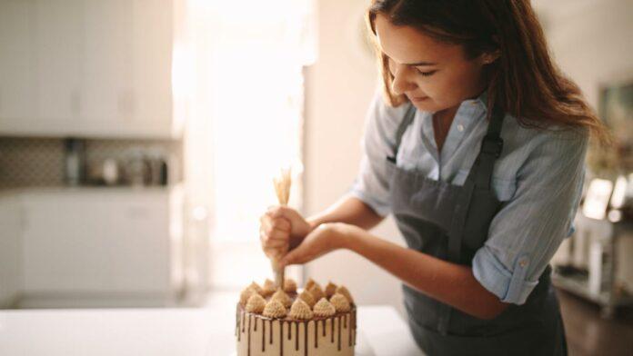decorare torta trucchi